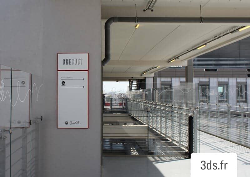 Panneaux Directionnels Fléchés Signalétique Sur Mesure