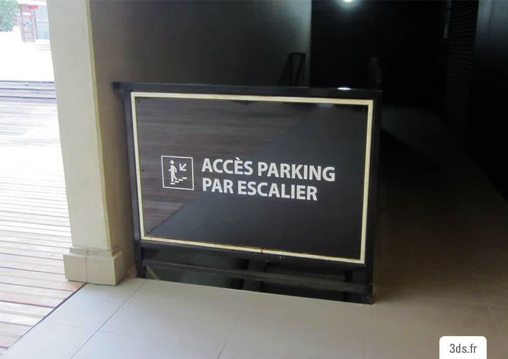 Signalétique accès parking escalier impression numérique