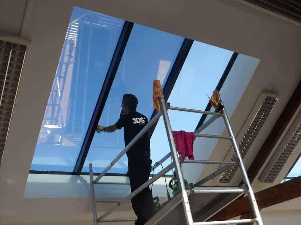 Pose film solaire fenêtre entreprise 3M