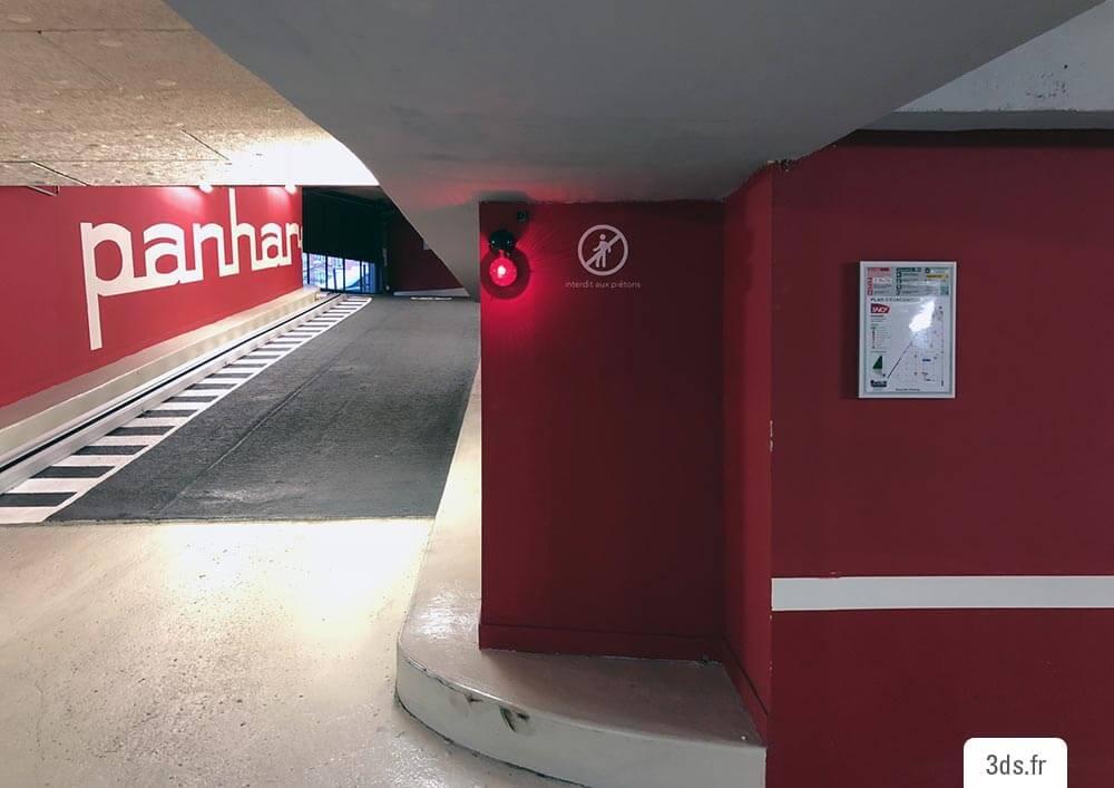 Signalétique parking directionnelle film découpé