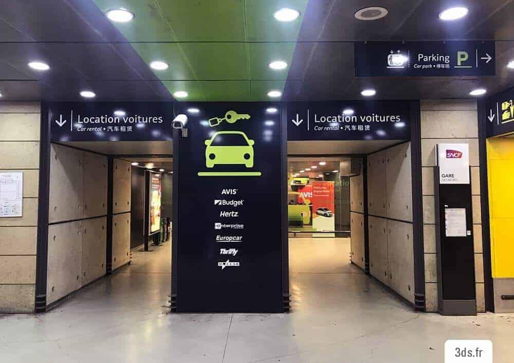 Signalétique parking directionnelle gare sur mesure adhésif