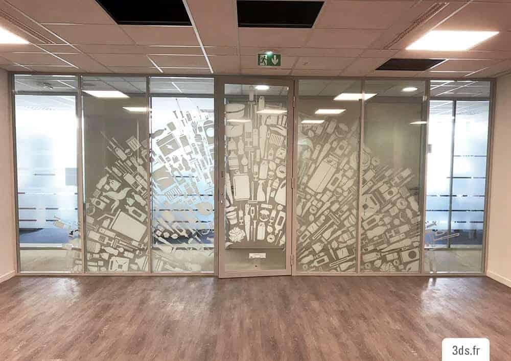 Vitrophanie bureau cloison vitrée originale