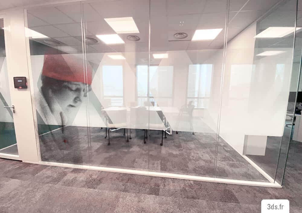 Vitrophanie bureau sur mesure design vitrage