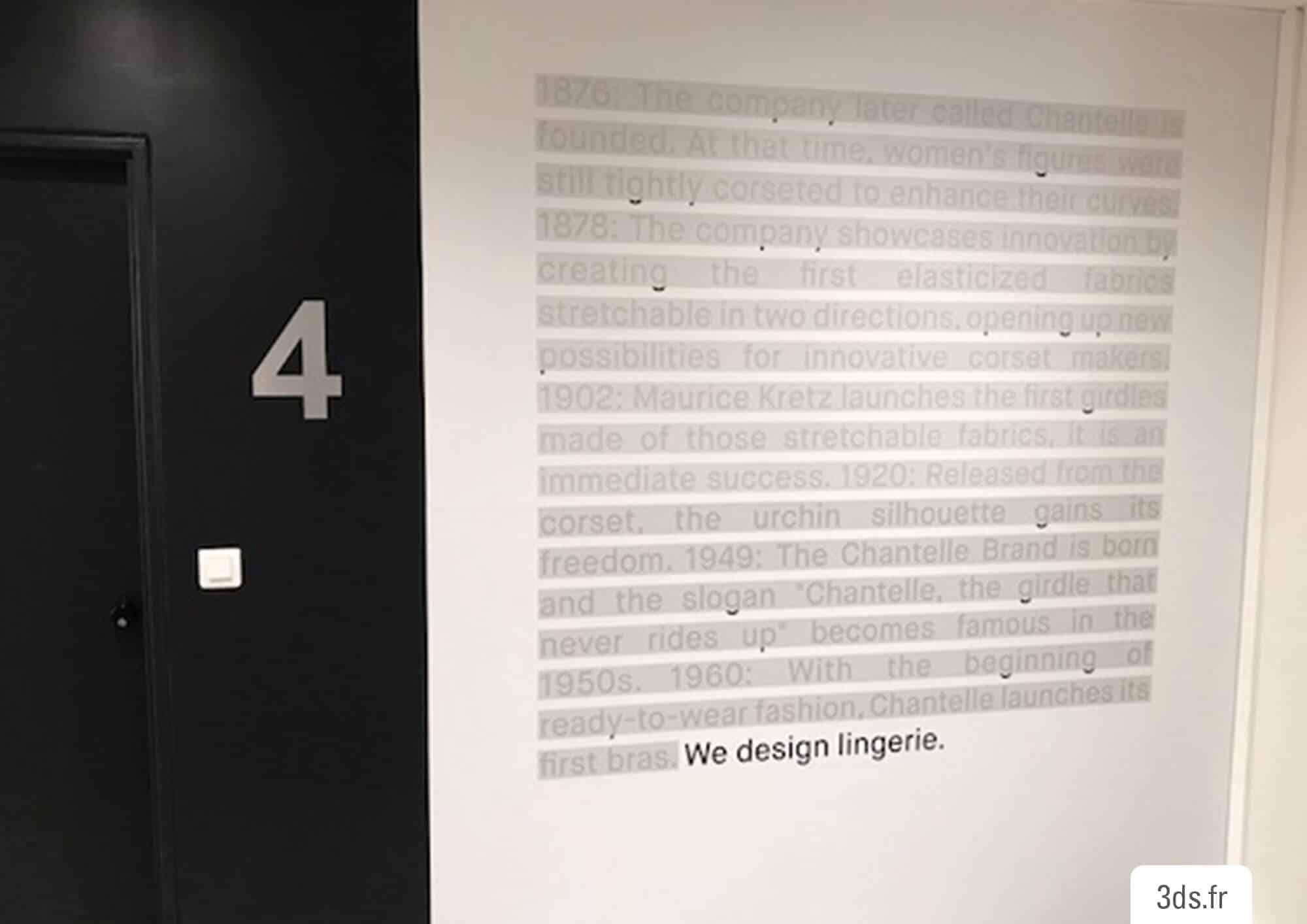 Visuel lettrage imprimé sur mesure bureau