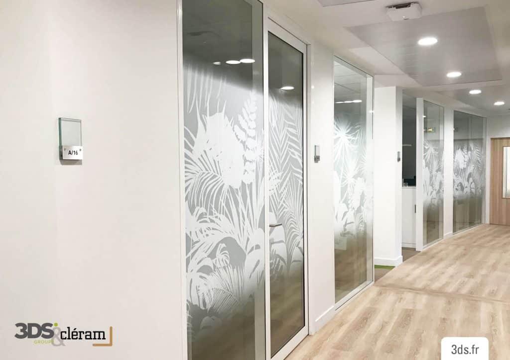 Vitrophanie bureau design sur mesure imprimée