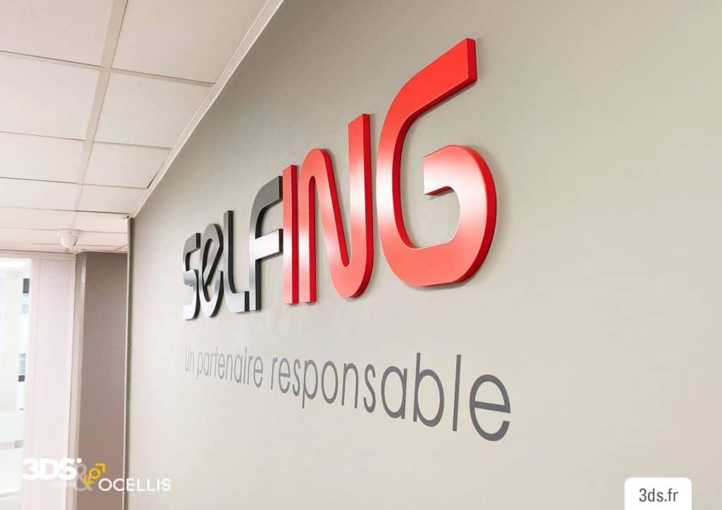 Logo relief 3D entreprise signalétique intérieure
