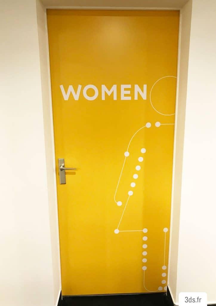 signalétique toilette femme pictogramme design