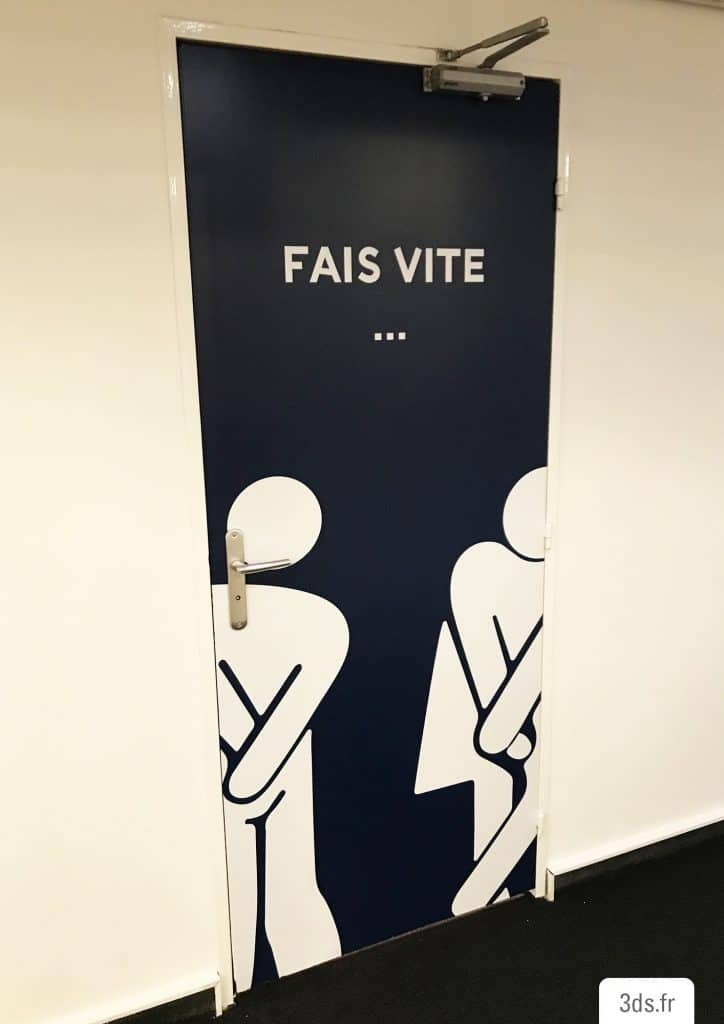 picto adhésif toilette drôle blanc porte