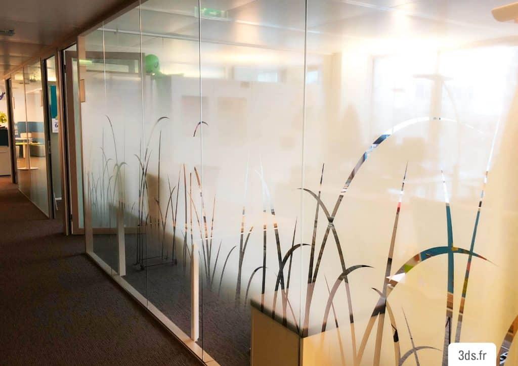 Vitrophanie design végétal entreprise