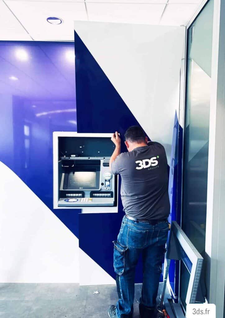 Pose habillage dibond imprimé distributeur automatique