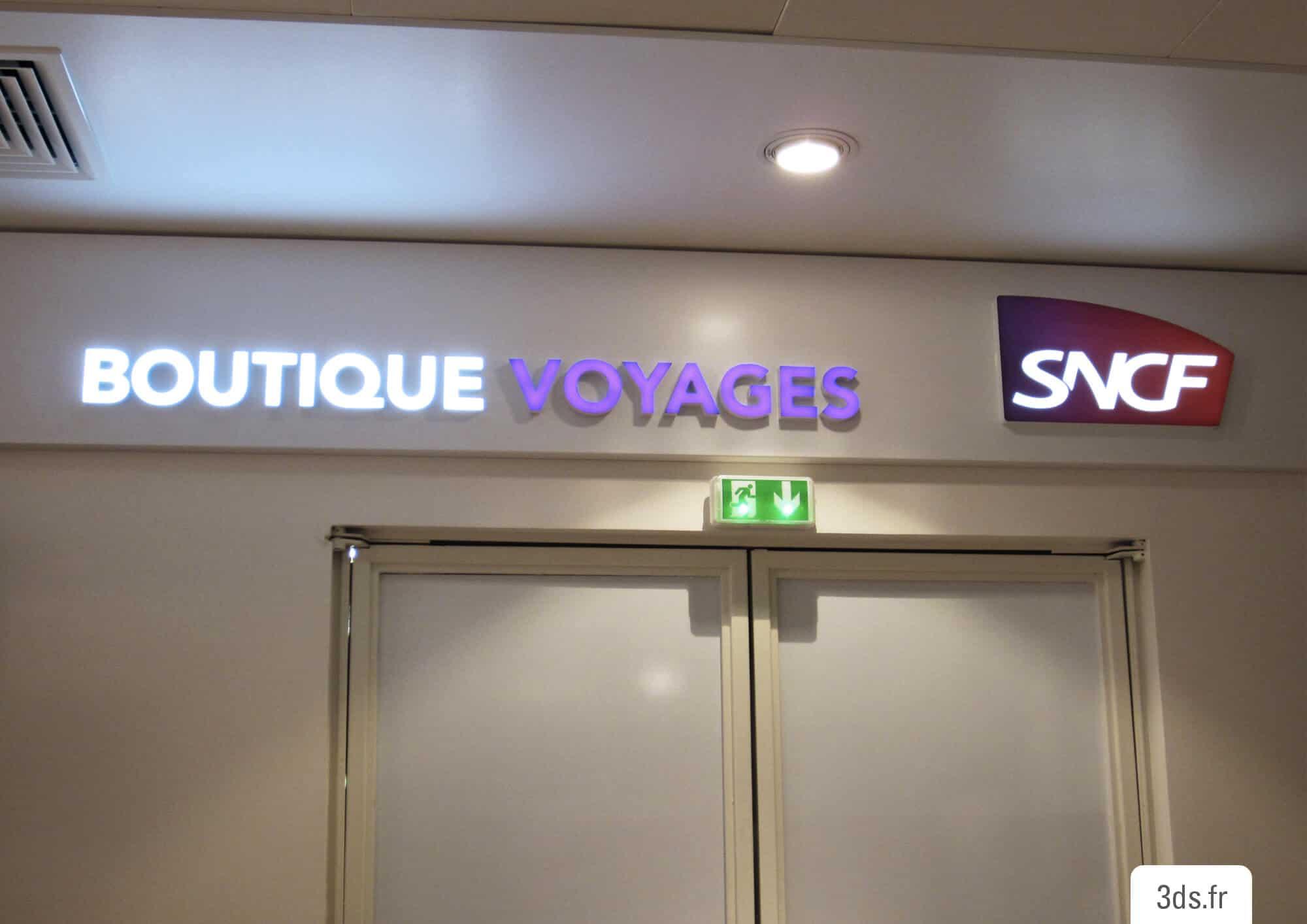 Signalétique enseigne lumineuse entrée boutique