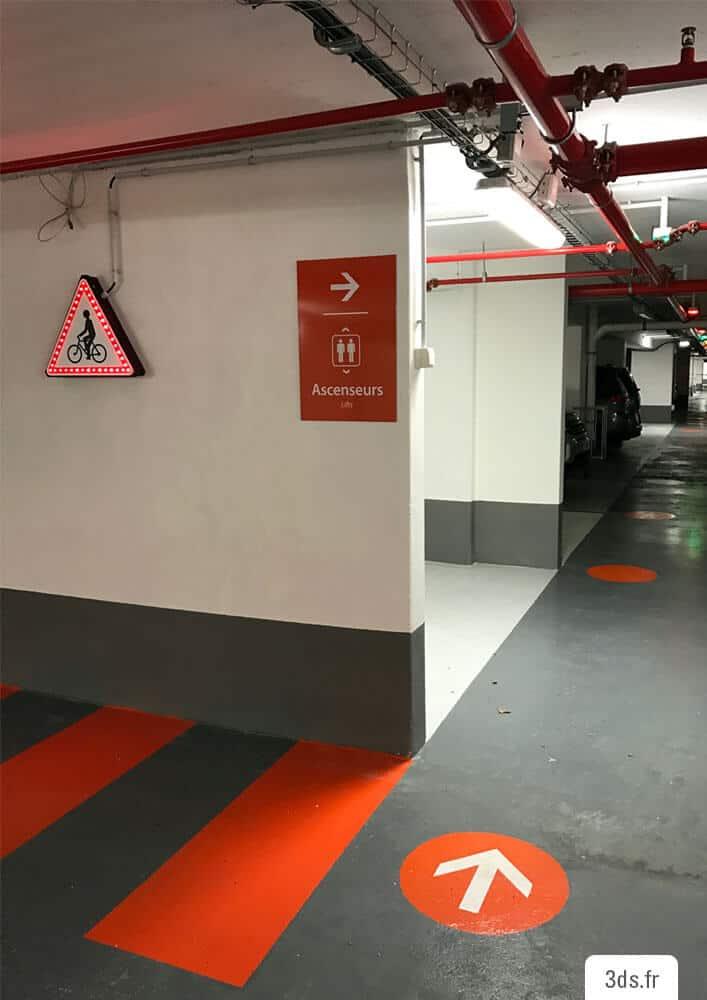 Signalétique parking panneau marquage au sol