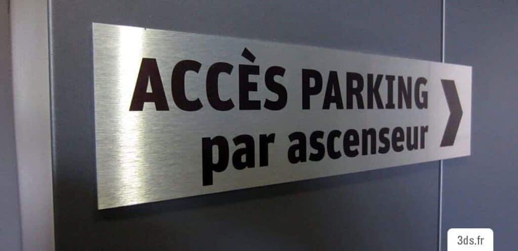 Signalétique parking directionnelle dibond imprimé