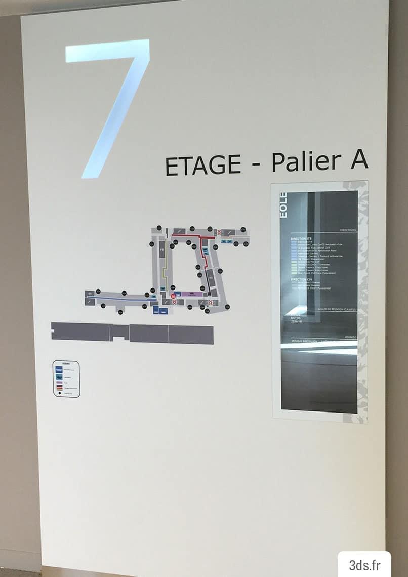 Panneau signalétique étage lumineux relief