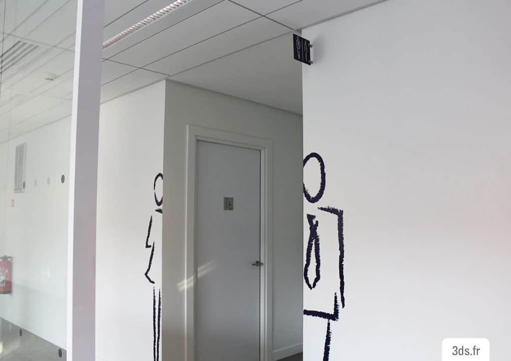 Signalétique toilette adhésif découpé sur mesure
