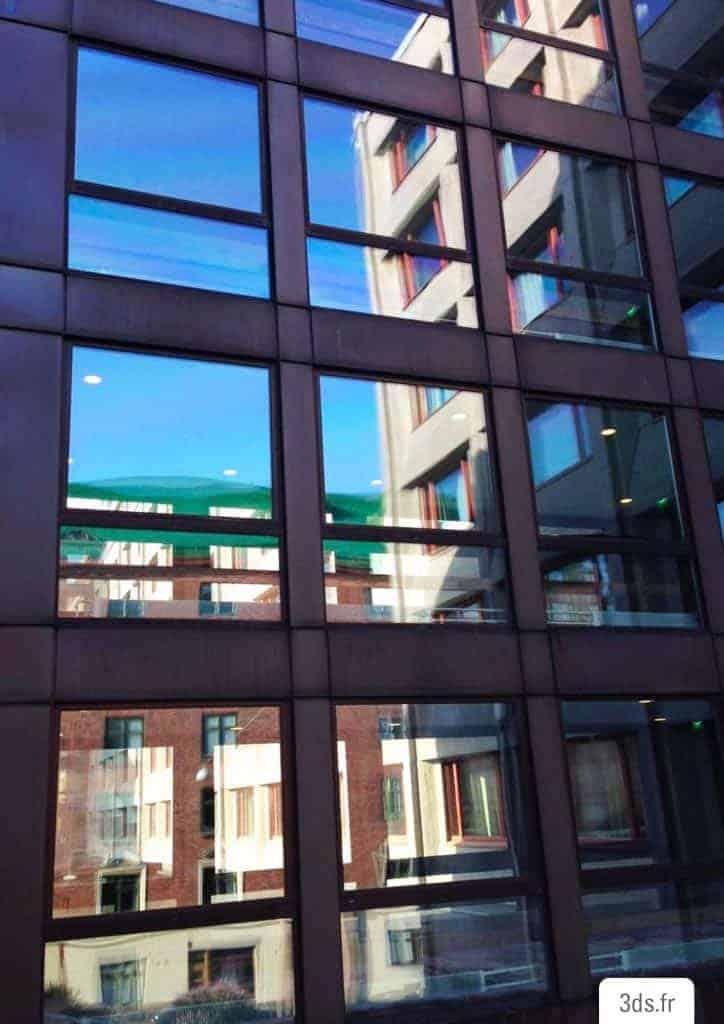 Film solaire facade bâtiment public