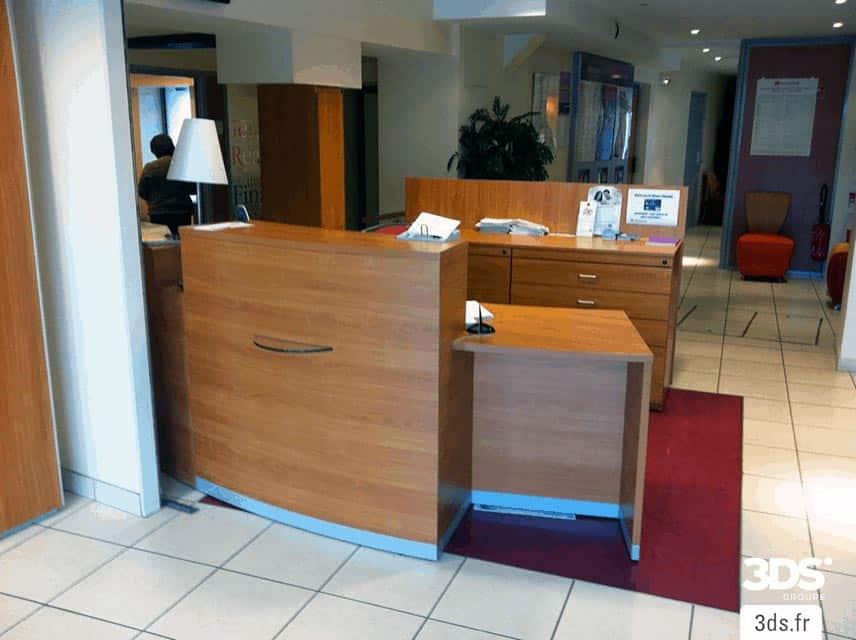 Covering 3M DINOC mobilier accueil entreprise AVANT