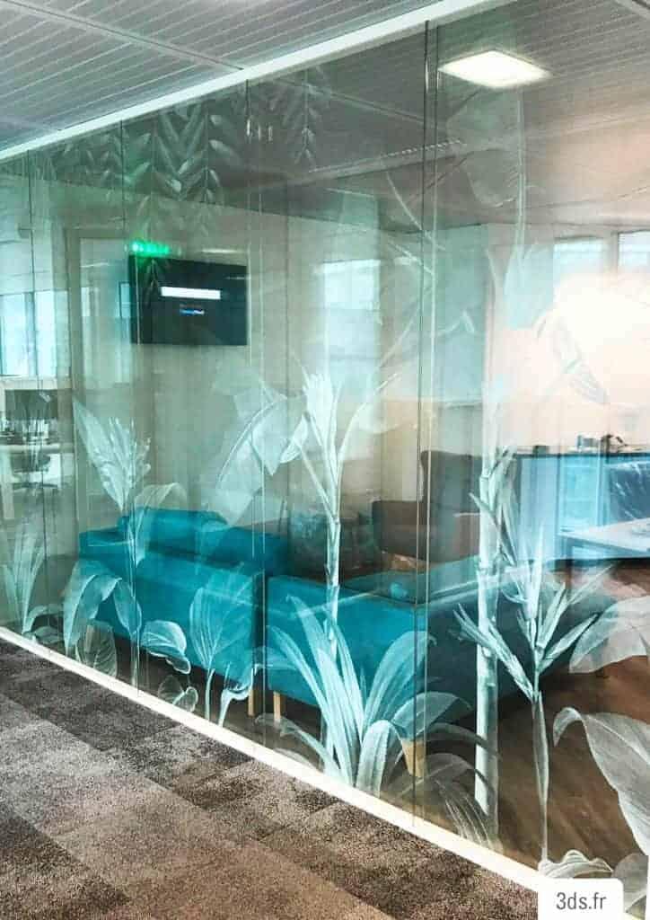 Vitrophanie végétale bureau sur mesure décorative