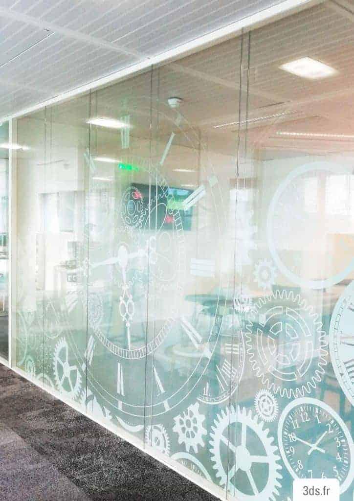 Vitrophanie design entreprise sur mesure