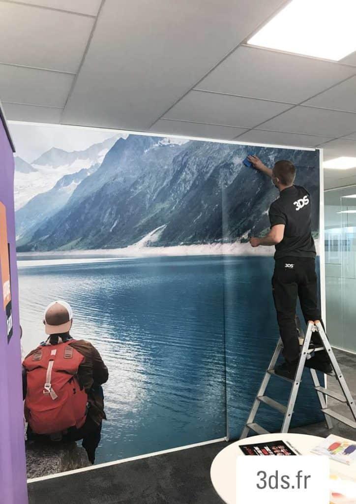 Installation déploiement application visuel adhésif grand format