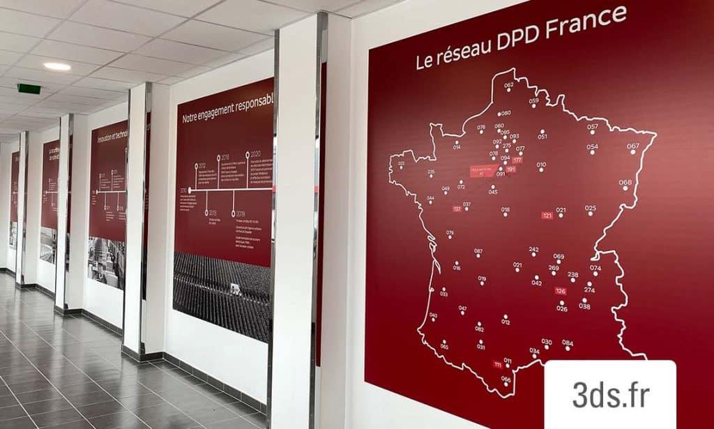 Signaletique corporate visuel mural plaque dibond imprime