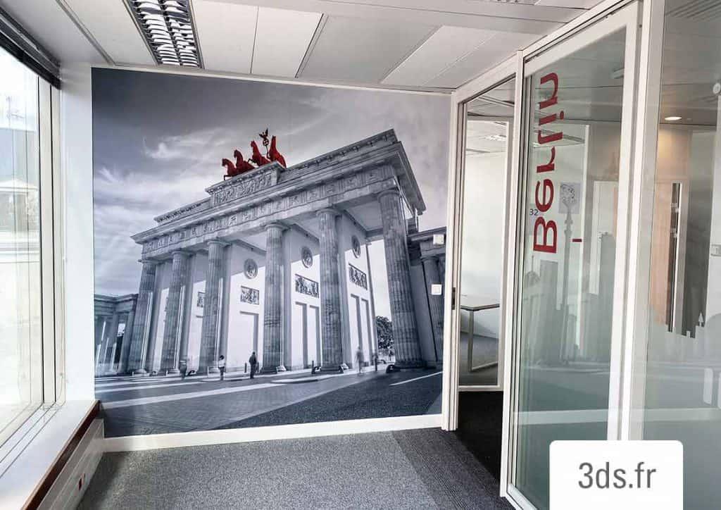 Film adhesif decor mural grand format